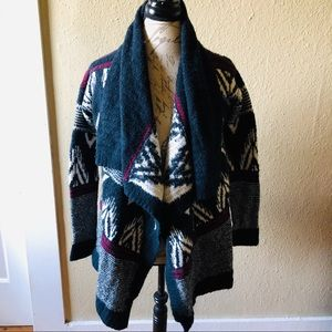 Abercrombie and Fitch Aztec print cardigan